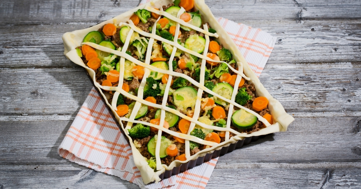 Minced meat and vegetable tart