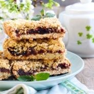 Almond Oat and Date Bars recipe