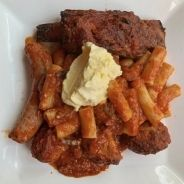 Macaroni with sauce and goat meat recipe